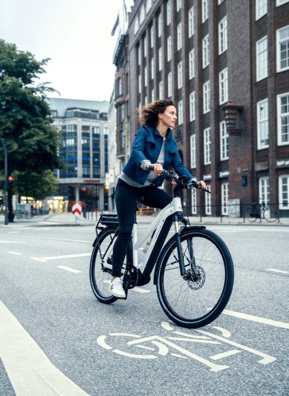 girl-bicycle-img
